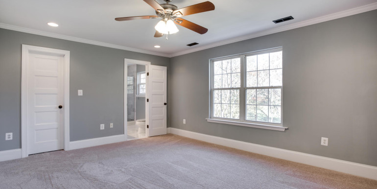 4740 Paul Hance Rd Huntingtown-large-041-5-Master Bedroom-1500x1000-72dpi